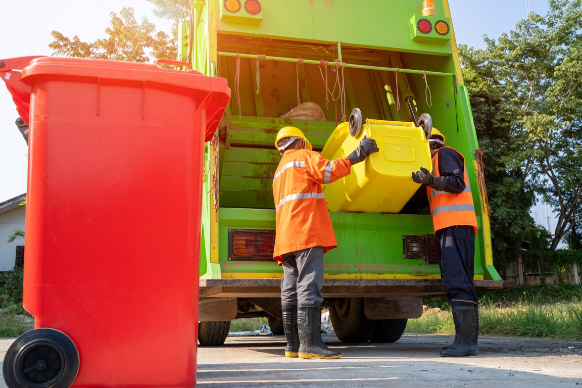 Junk removal and wastage collection services